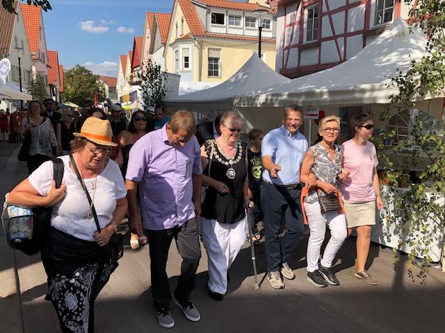 Gute Laune bei den Gästen auf dem 40. Gerlinger Straßenfest 2019