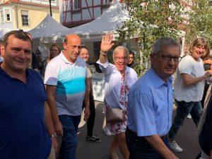 Besucher und Gäste auf dem Gerlinger Straßenfest